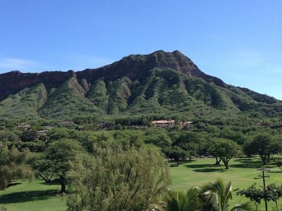 Lotus Honolulu at Diamond Head: View of Diamond Head from balcony