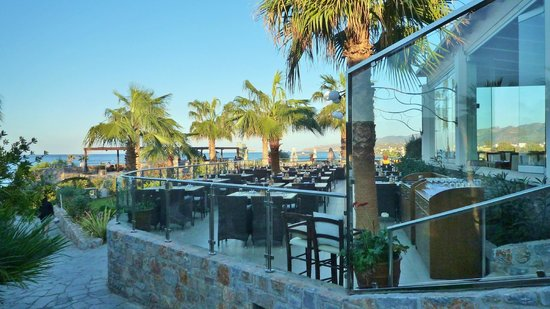 Ikaros Beach Resort & Spa: Freiluftrestaurant