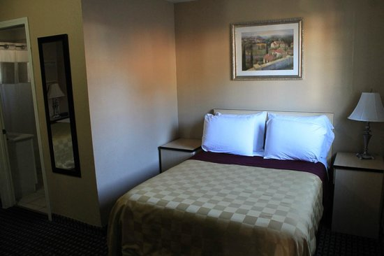 Napa Discovery Inn: Second bed