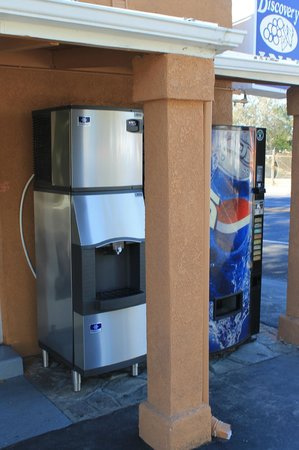Napa Discovery Inn : Ice machine