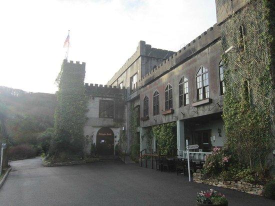 Abbeyglen Castle Hotel : Front of hotel