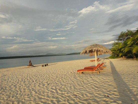 beach picture of the havannah vanuatu port vila. Black Bedroom Furniture Sets. Home Design Ideas
