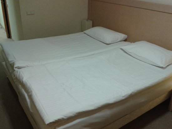 Islande Hotel: Double bed
