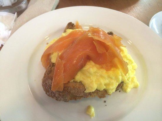 Edinburgh Larder Cafe: Smoked salmon