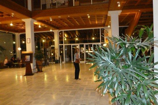 Suite Hotel Atlantis Fuerteventura Resort: Reception Area
