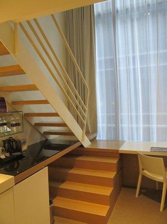 Studio M Hotel: Room