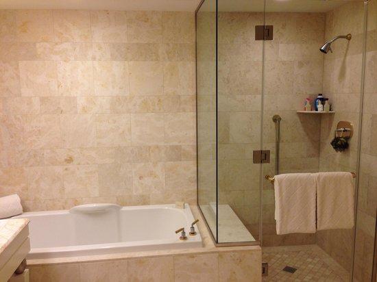 Wynn Las Vegas : King Room Bath