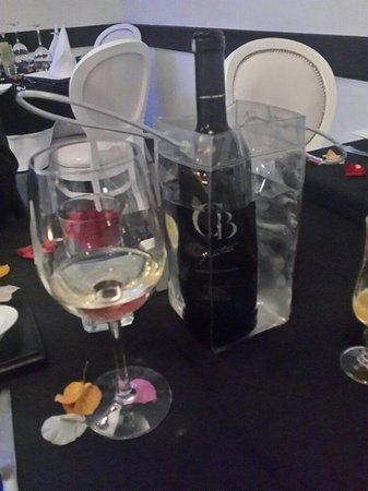 Le P'tit Dome : Vin offert