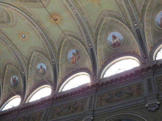 Basilica DI San Martino: Interno