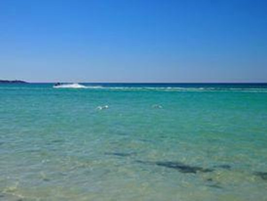 Beachcomber Club: glasklares Meer