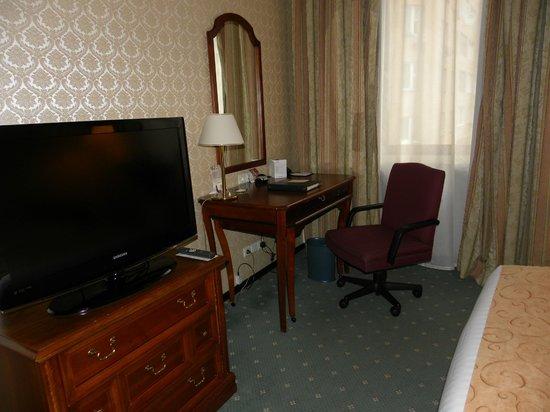 Moscow Marriott Tverskaya Hotel: ТВ