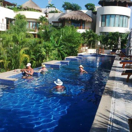 Porto Playa Condo Hotel Beachclub Pool At