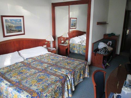VIK Hotel San Antonio: Room decor