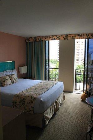 Aqua Palms Waikiki: Room decor