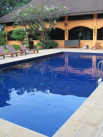 Holiday Garden Hotel: piscine