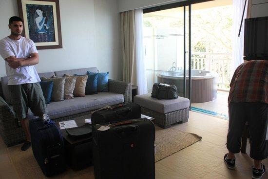 Cape Panwa Hotel: seating in room