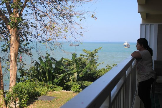 Cape Panwa Hotel: View from balcony