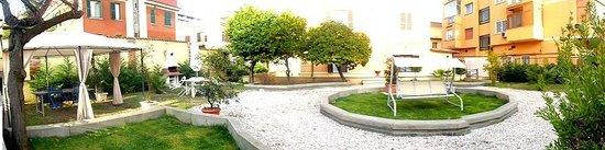 Villa Lanusei: giardino