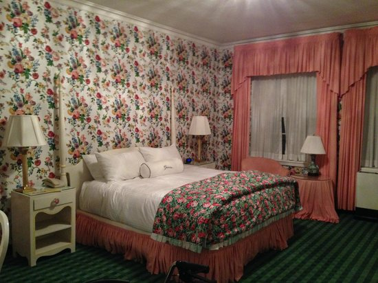 The Greenbrier: one of the bedrooms