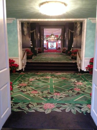 The Greenbrier: another hallway