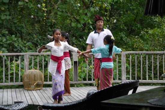 Hanging Gardens of Bali: Dancers during tea time