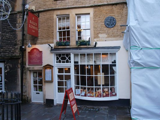 Sally Lunn's Historic Eating House & Museum : The front, slightly obscured by construction next door