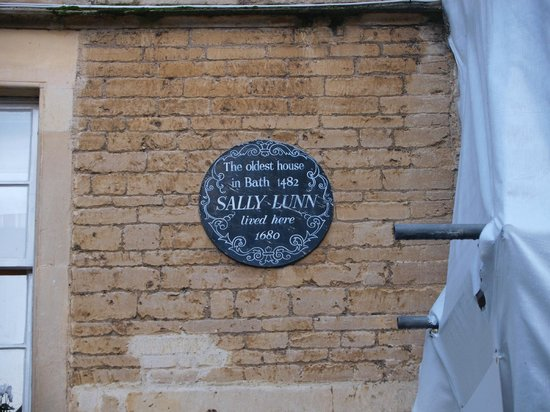 Sally Lunn's Historic Eating House & Museum : The history plaque