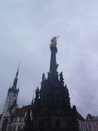 Holy Trinity Column: Coluna da Santíssima Trindade em Olomouc, República Checa