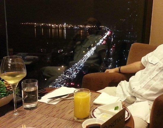 Hotel Jen Manila : T-Lounge private Club area