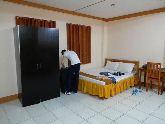 Corazon Tourist Inn : Family room