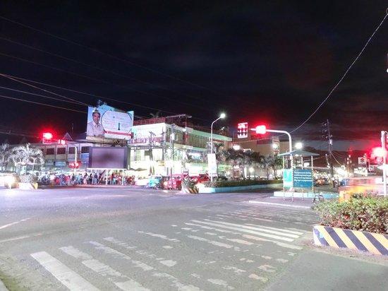 Corazon Tourist Inn : Outside of the hotel