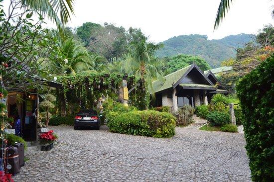 Boomerang Village Resort : L'entré de l'hôtel