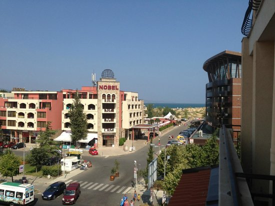 Rose Village Apartments: расстояние до моря
