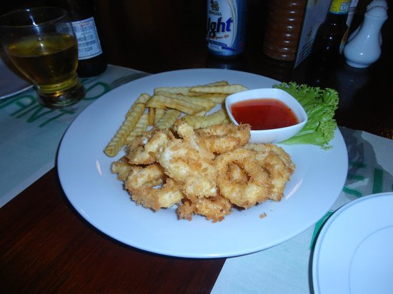 Eightfold Restaurant: Fried calamari ... super juicy and fresh
