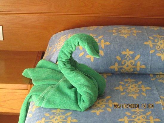 Aparthotel Parque De La Paz: bed