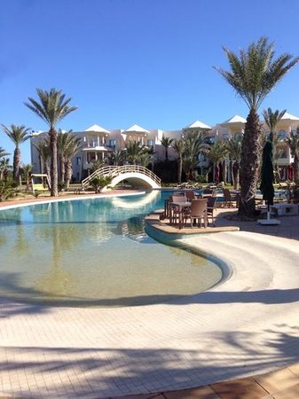 Hasdrubal Prestige Thalassa & Spa : une des piscines...