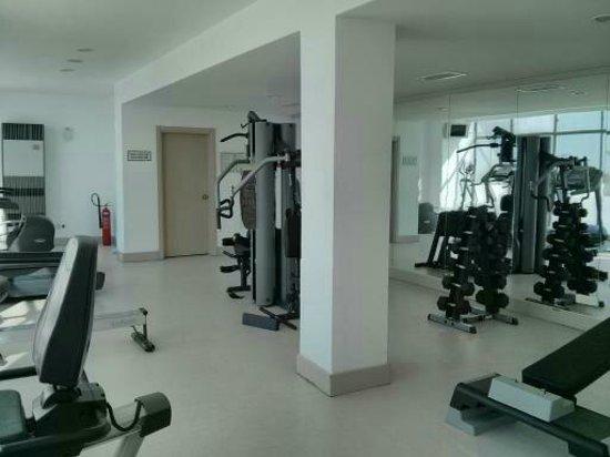 Korumar Hotel De Luxe : Well equipped gym