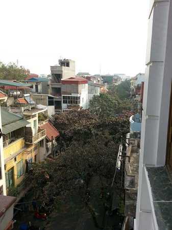 Little Hanoi Diamond Hotel: View from balcony