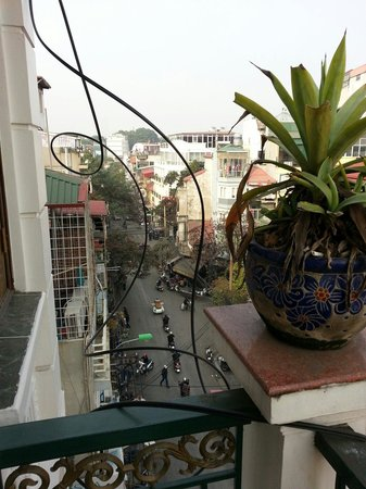 Little Hanoi Diamond Hotel: Balcony