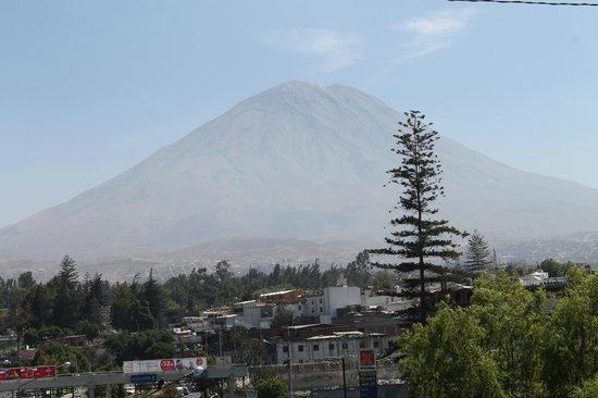 Posada Nueva Espana : Just a short walk from the Posada is Mt. Misti