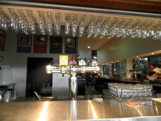 Mt Tamborine Brewery: Beer Counter and dispenser
