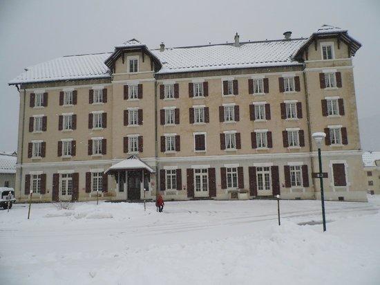 Best Western Grand Hotel de Paris: hôtel sous la neige