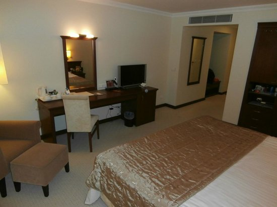 TAV Airport Hotel: спальня