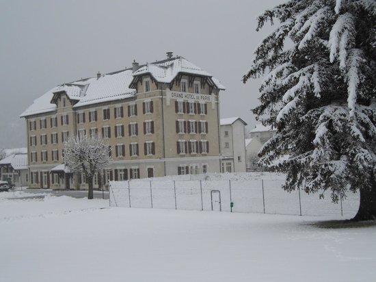 Best Western Grand Hotel de Paris : hôtel sous la neige