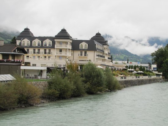 Grand Hotel Lienz: A look from the river