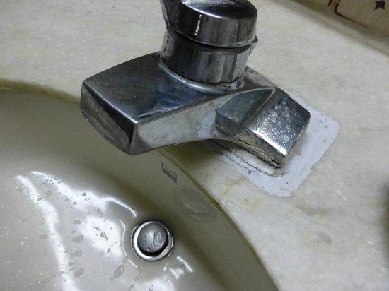 Vivanta by Taj - Fort Aguada, Goa : Armatur Handwaschbecken
