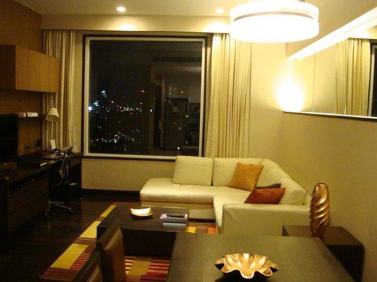 Sukhumvit Park, Bangkok - Marriott Executive Apartments: Sitting Area