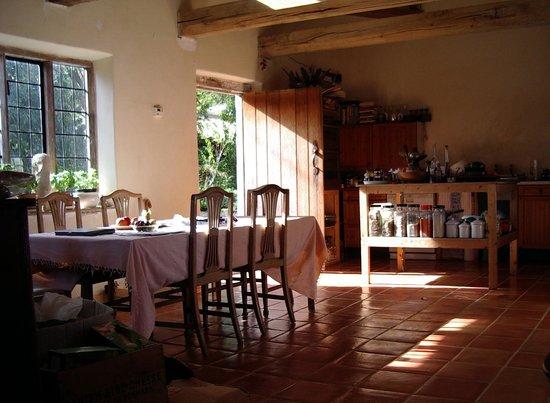 Upper Red House: kitchen