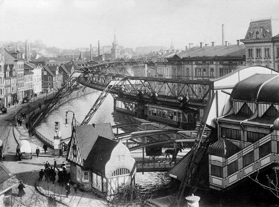 Wuppertaler Schwebebahn: 1913 год