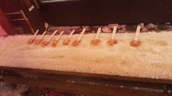 Quartier Petit Champlain : Maple Syrup pops